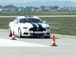 Jízda závodním autem na letišti