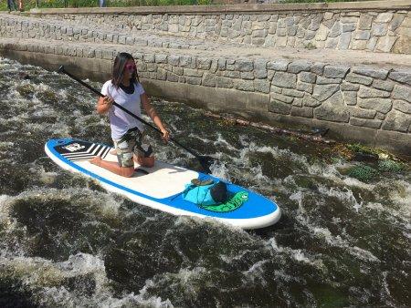 Jízda na paddleboardu