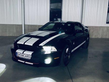 Noční Praha Mustangem