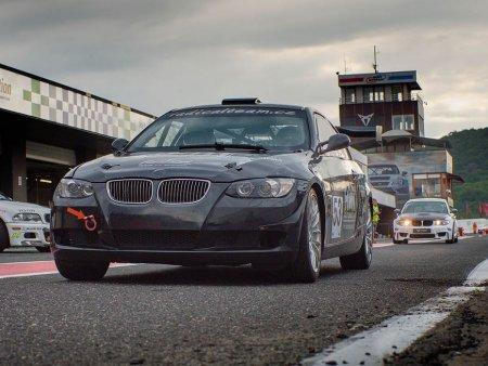 Jízda závodním BMW